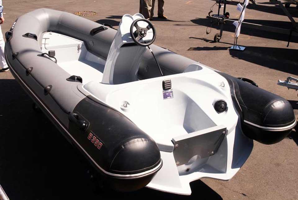 Лодка буревестник b 390 hs с спортивной